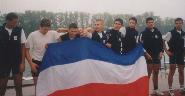 Bojan Kovačević, drugi s leva, Balkanijada, Beograd, 2002.